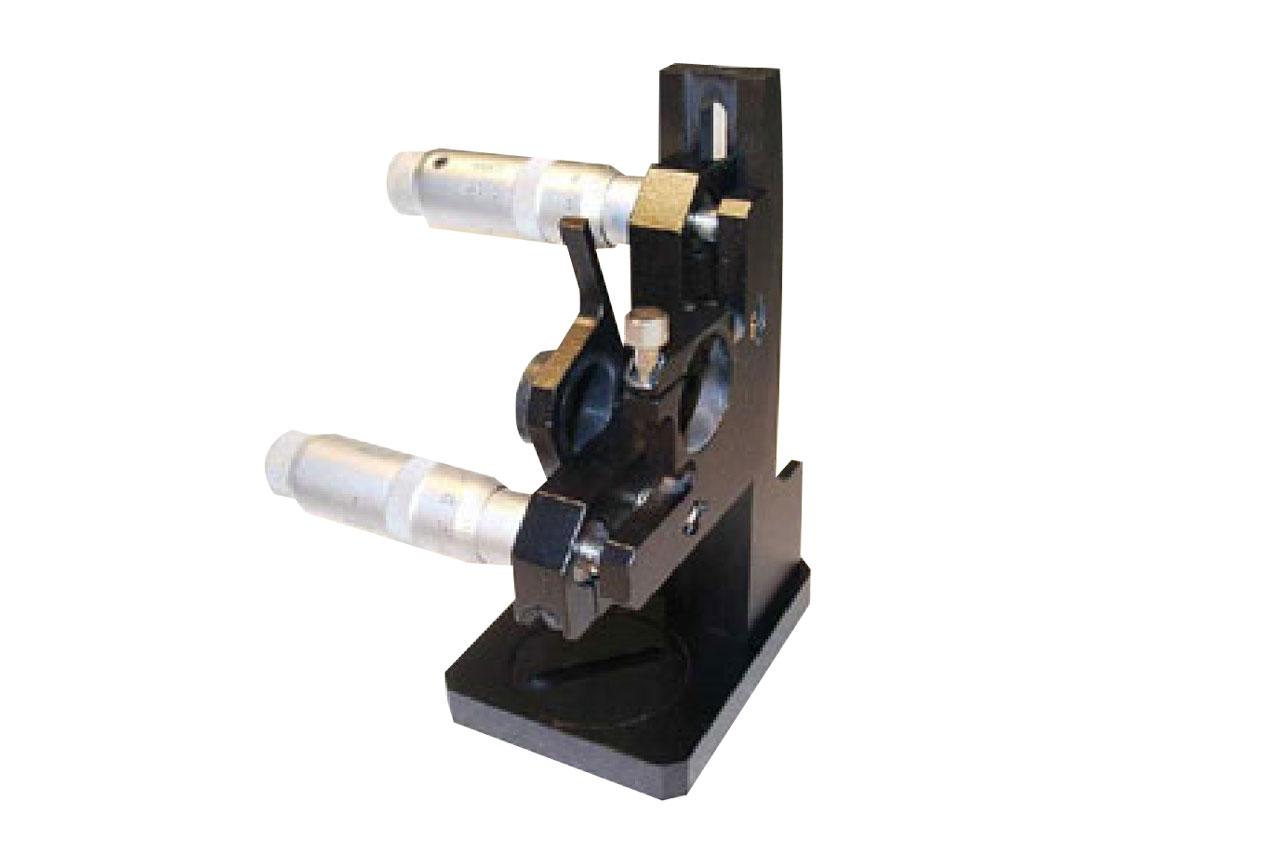 MMB-LKVS. Большой прецизионный юстируемый держатель с варьируемой высотой установки оптики и откидывающимся блокиратором луча, левый
