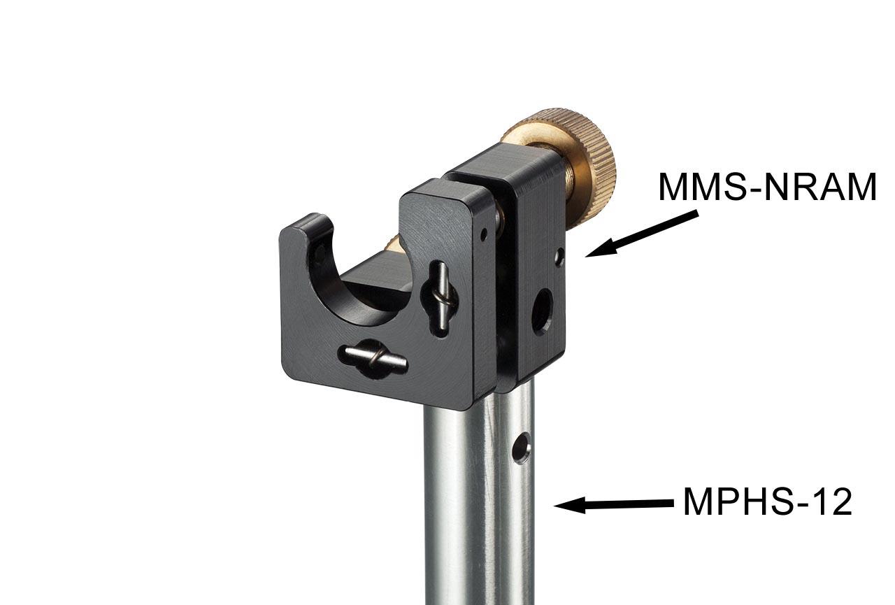 MMS-NRAM. Малый юстируемый держатель для оптики с прорезью, с потайными винтами с фиксацией, правый. На стальном установочном стержне Ф12 мм