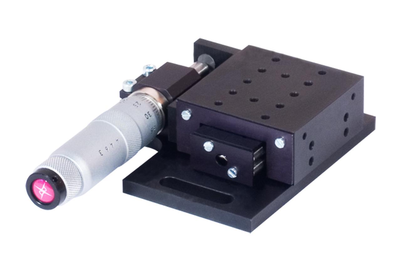 TSM-LKP. Стандартный линейный транслятор с горизонтальным микрометрическим винтом, левый