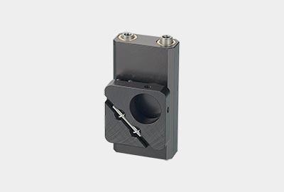 MMS-TRA. Малый вертикальный юстируемый держатель для оптики с потайными винтами, правый