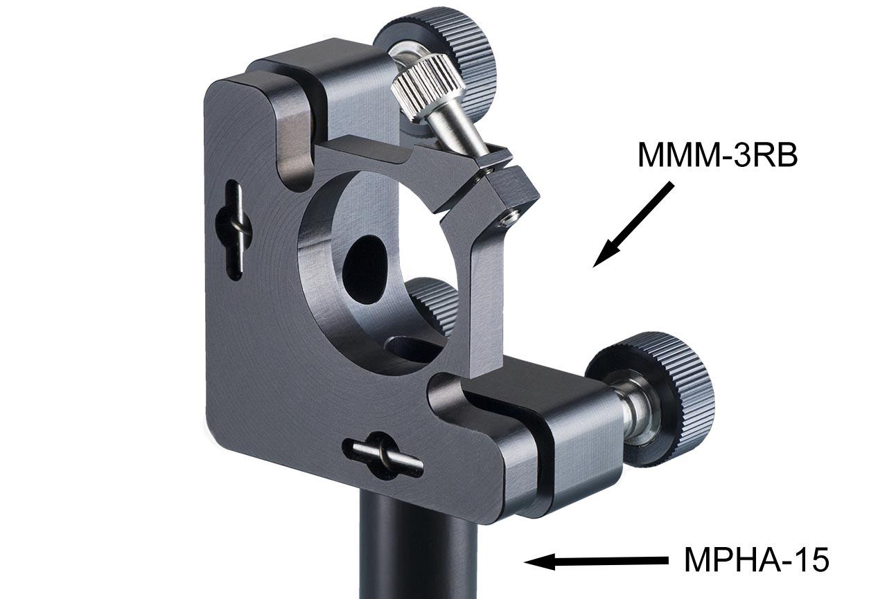 MMM3-RB. Средний юстируемый держатель для оптики зажимной с тремя винтами с круглыми ручками, правый. На дюралевом установочном стержне Ф15 мм