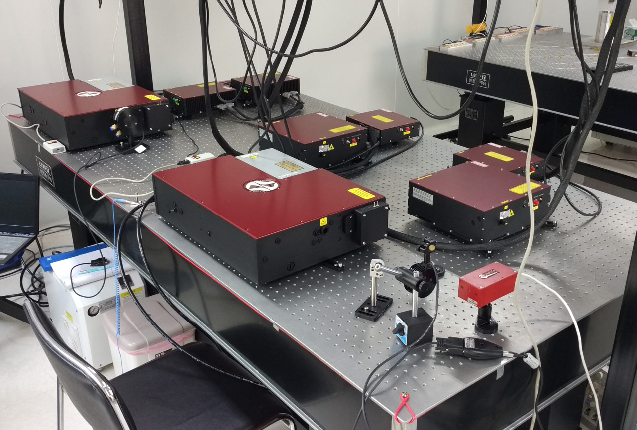 2 sets of TiF-100ST-F6 Ti:S femtosecond Ti:S oscillators with built-in DPSS pump lasers and 6 sets of EFO series femtosecond fiber lasers (EFOA-SH, EFO, EFOA)